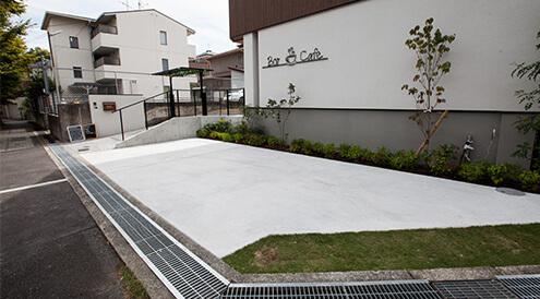 店舗敷地内駐車場